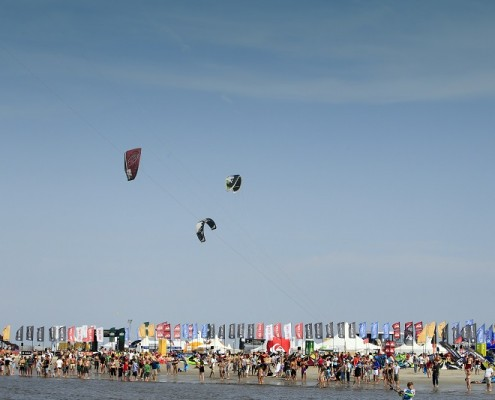 Kitesurfing / Kitesurfen: The Beetle Kitesurf World Cup St. Peter-Ording