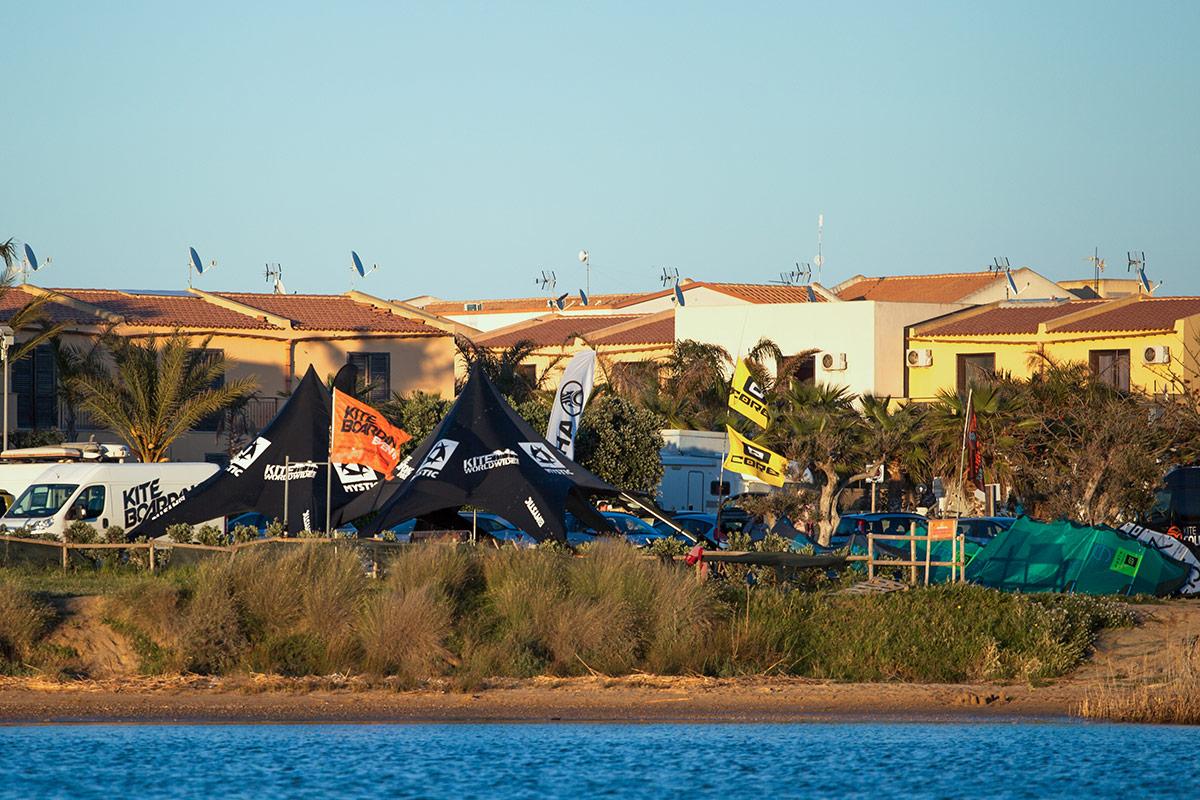Kitesurfen im Juni mit KiteWorldWide auf Sizilien