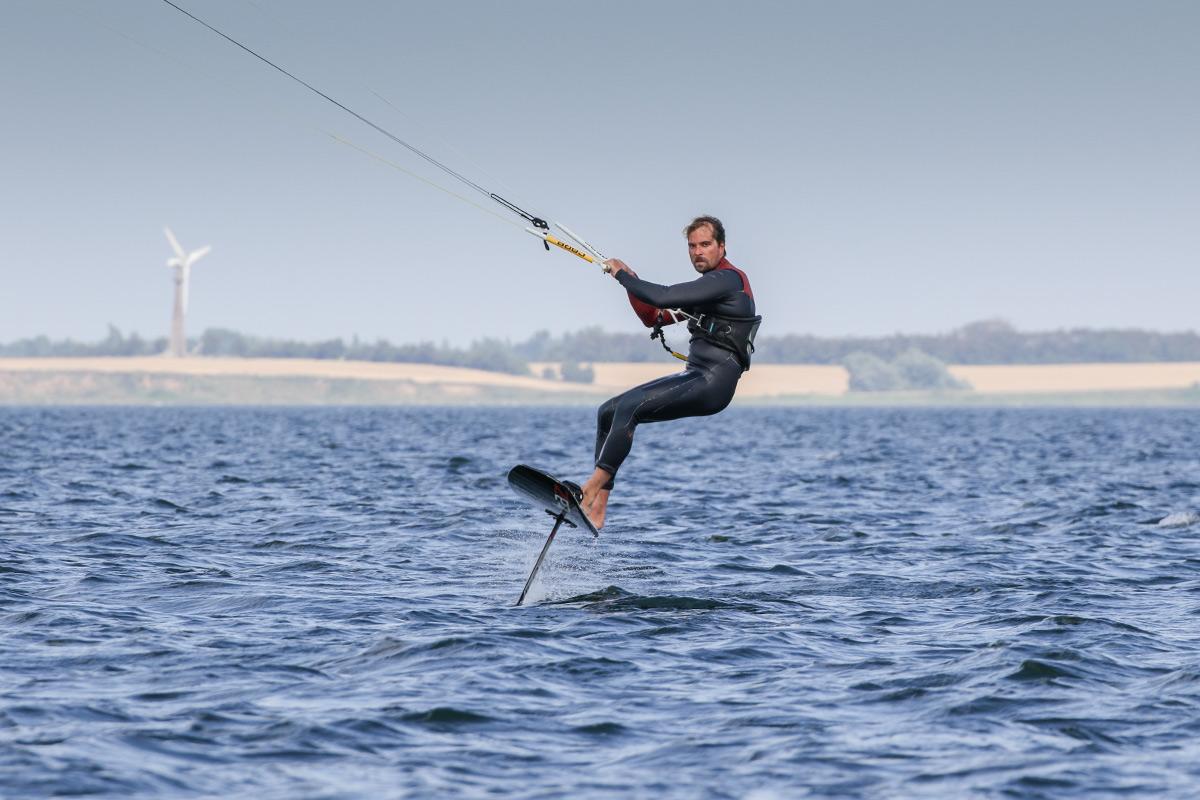 Foil Kitesurfing