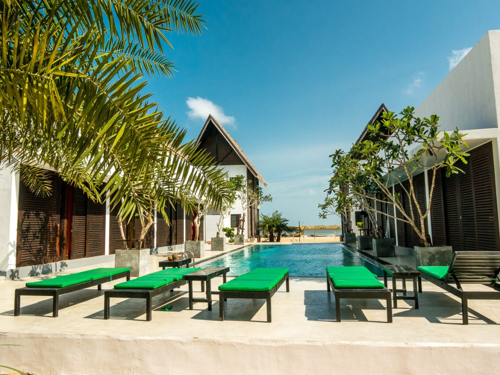 Pool Area KiteWorldWide Lodge Kalpitiya -5