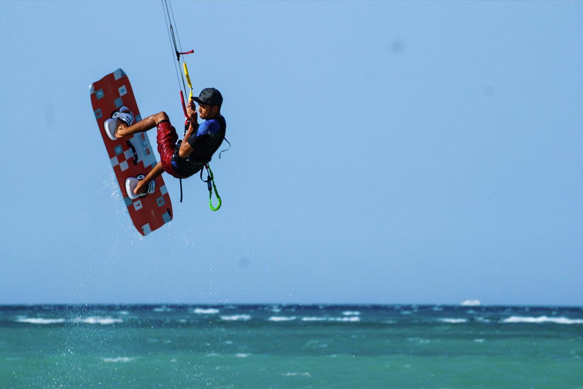 Kitesurfen im Juni mit KiteWorldWide in der Seahorse Bay, Ägypten