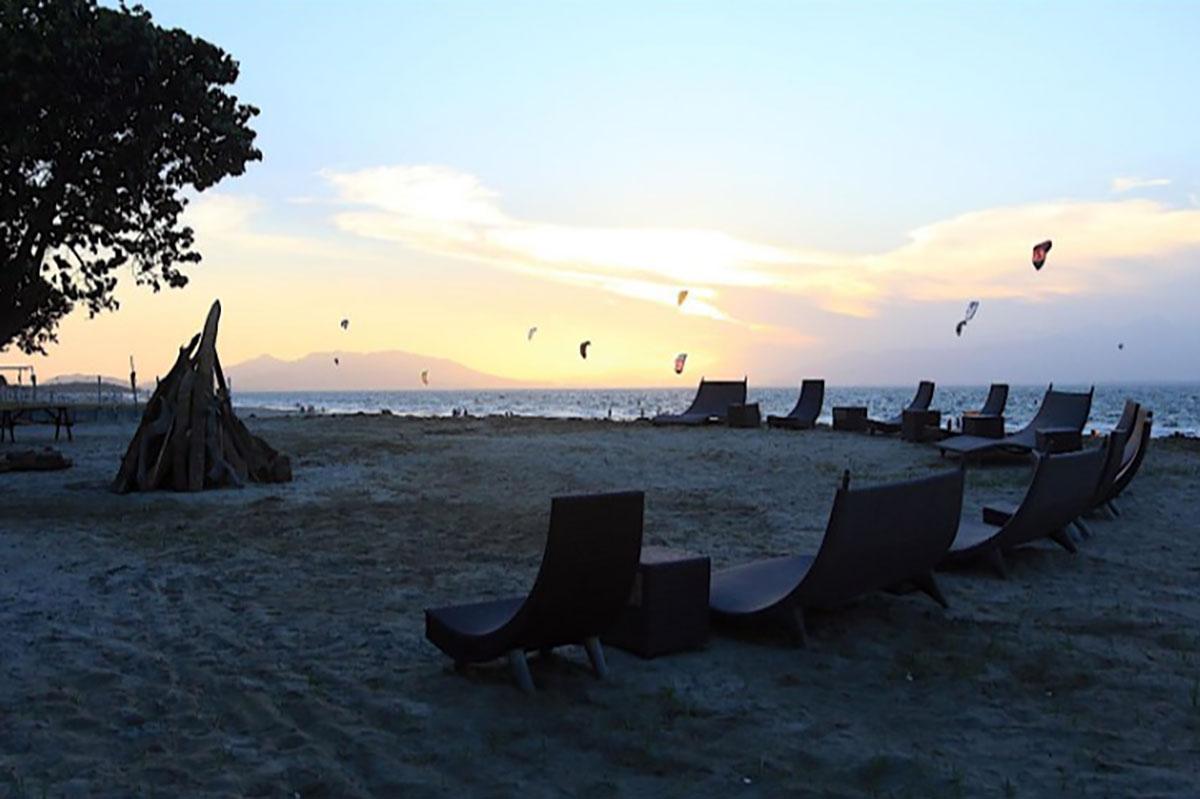 In den Sonnenuntergang Kitesurfen in Panama, Punta Chame