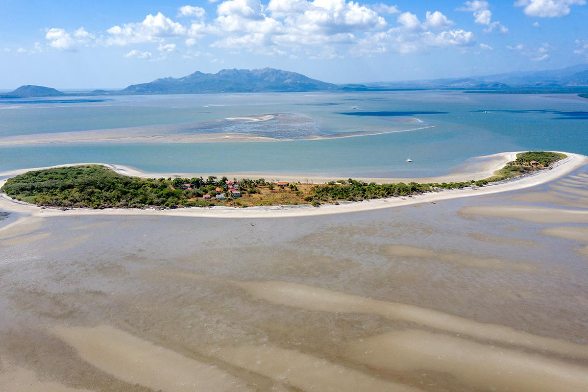 Entdecke Inseln beim Kitesurfen in Panama in Punta Chame mit KiteWorldWide