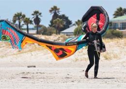 Zum Kitesurfen in Suedafrika ist am Main Beach viel Platz zum Aufbauen der Kites