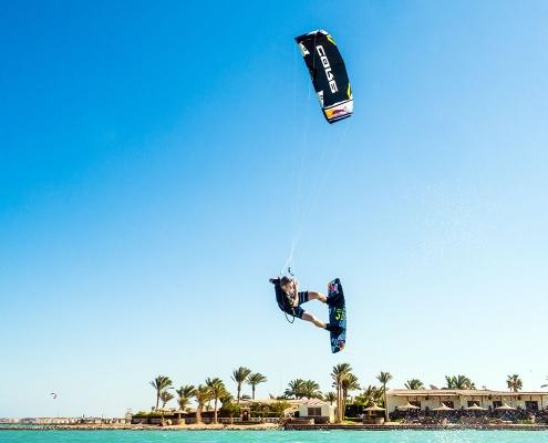 Kitesurfen_in_Aegyten_SeahorseBay_mit_KiteWorldWide