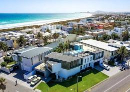 Die KiteWorldWide Mansion in Kapstadt mit Blick auf Sunset Beach