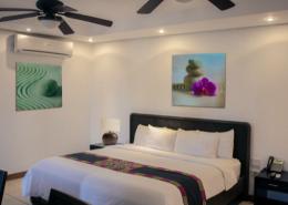 Doppelbett im Maalaea Beach Resort Panama