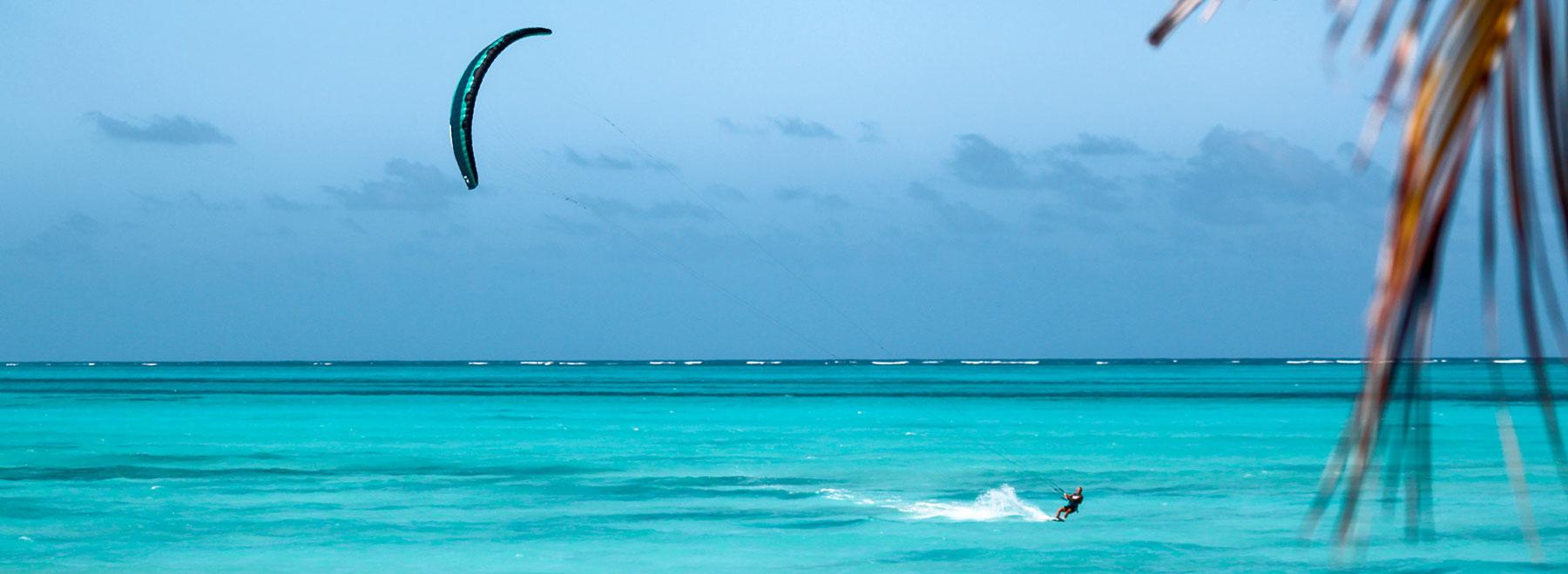 Kitesurfen-Sansibar-FlySurfer