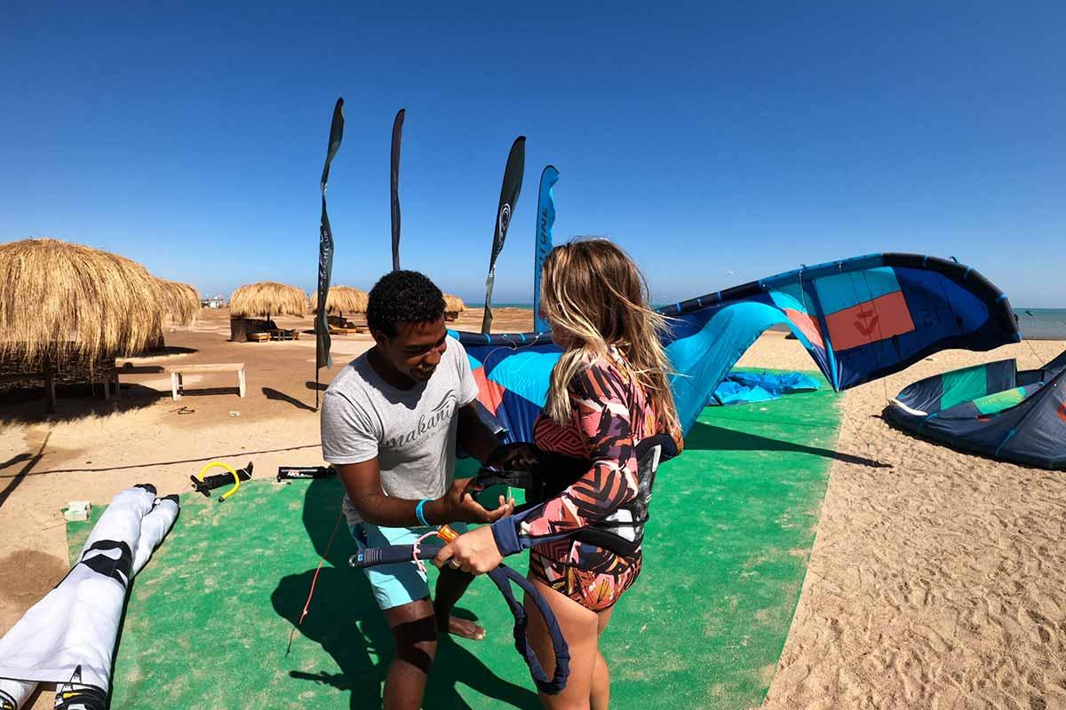 Kitesurfen-lernen-in-El-Gouna-Makani-Beach-Club
