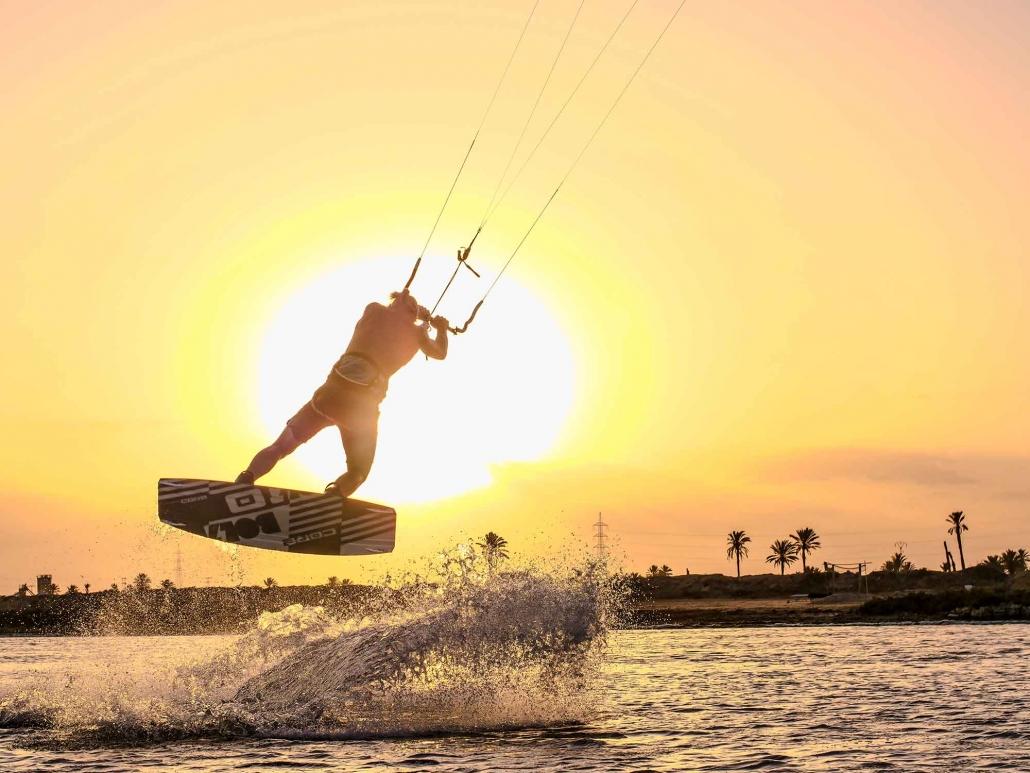 KiteWorldWide-mit-Linus-Erdmann_auf_Djerba