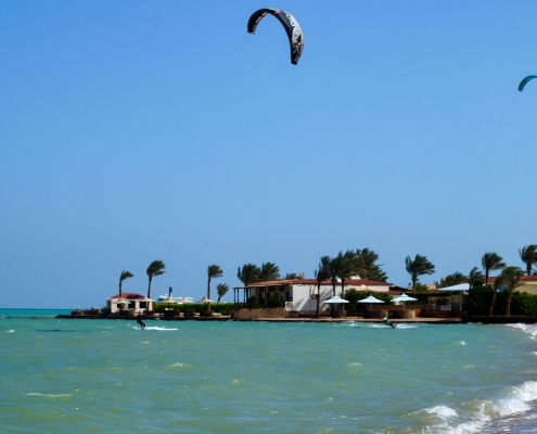 Kitesurfing_Kiteclub-Seahorse-Bay-Egypt